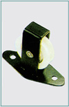 SINGLE UPRIGHT PULLEY ALONG PLATE